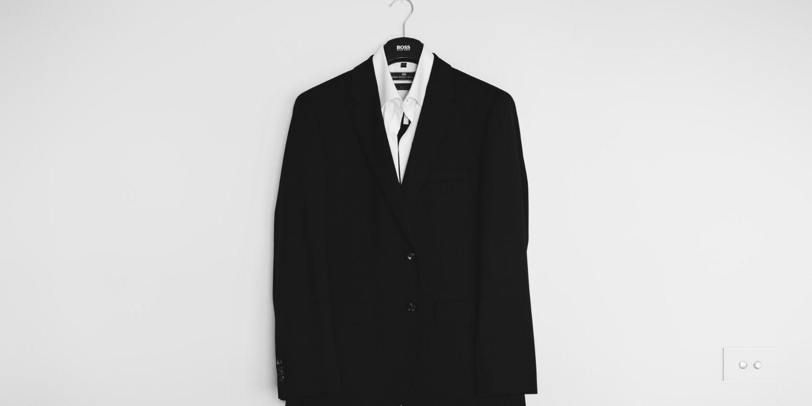 öltönyben tartsa