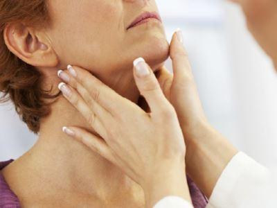 papilloma a torok tüneteiben