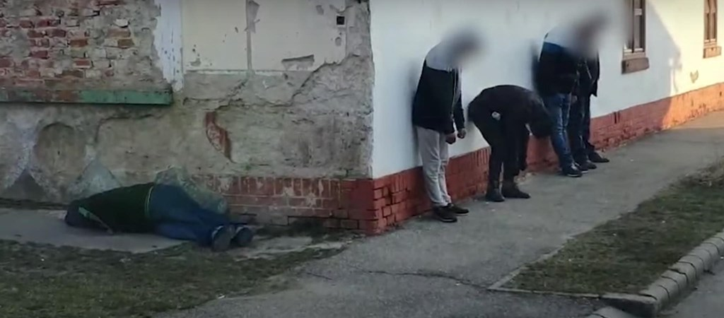 Elítéltek egy olasz nőt, mert rendszeresen drogot kevert munkatársa kávéjába